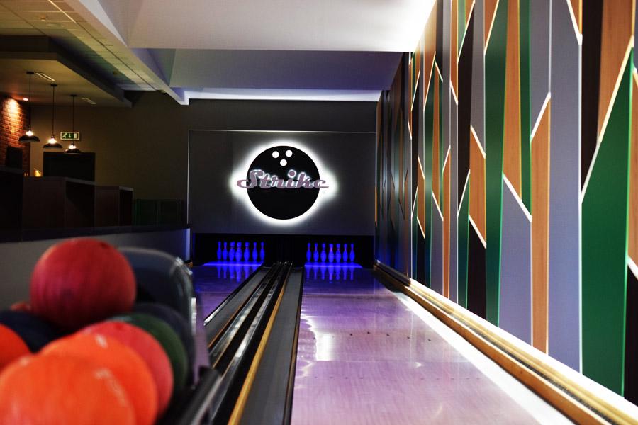 Bowling night bar